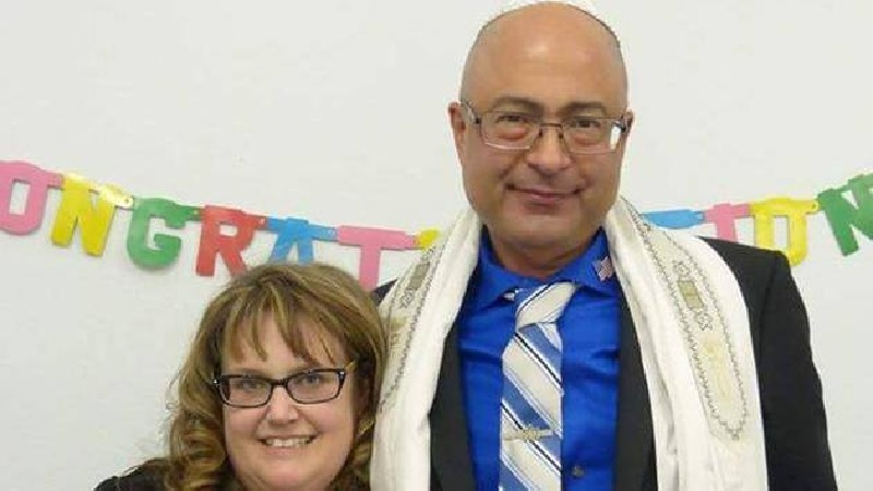 Victim Nicholas Thalasinos, age 52 and surviving wife Jennifer Thalasinos